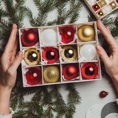 Cómo organizar y guardar la decoración de Navidad